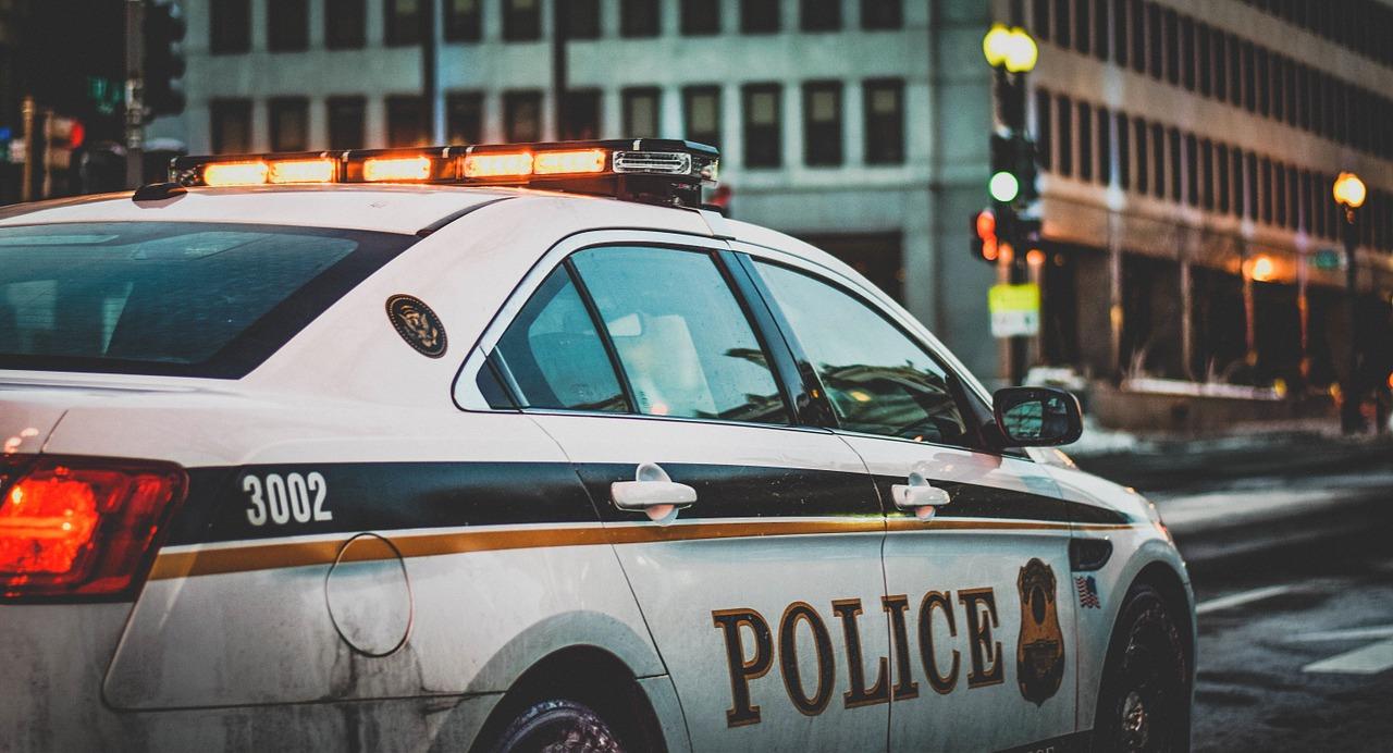 policja 997 lub numer 112