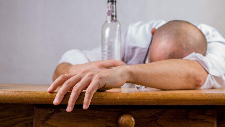 Leczenie alkoholizmu w Warszawie – na czym polega i gdzie się zgłosić na odwyk?