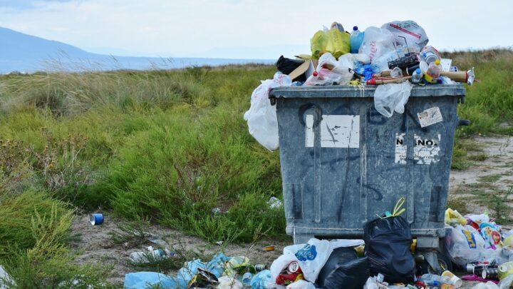 Wywóz śmieci komunalnych oraz starego wyposażenia